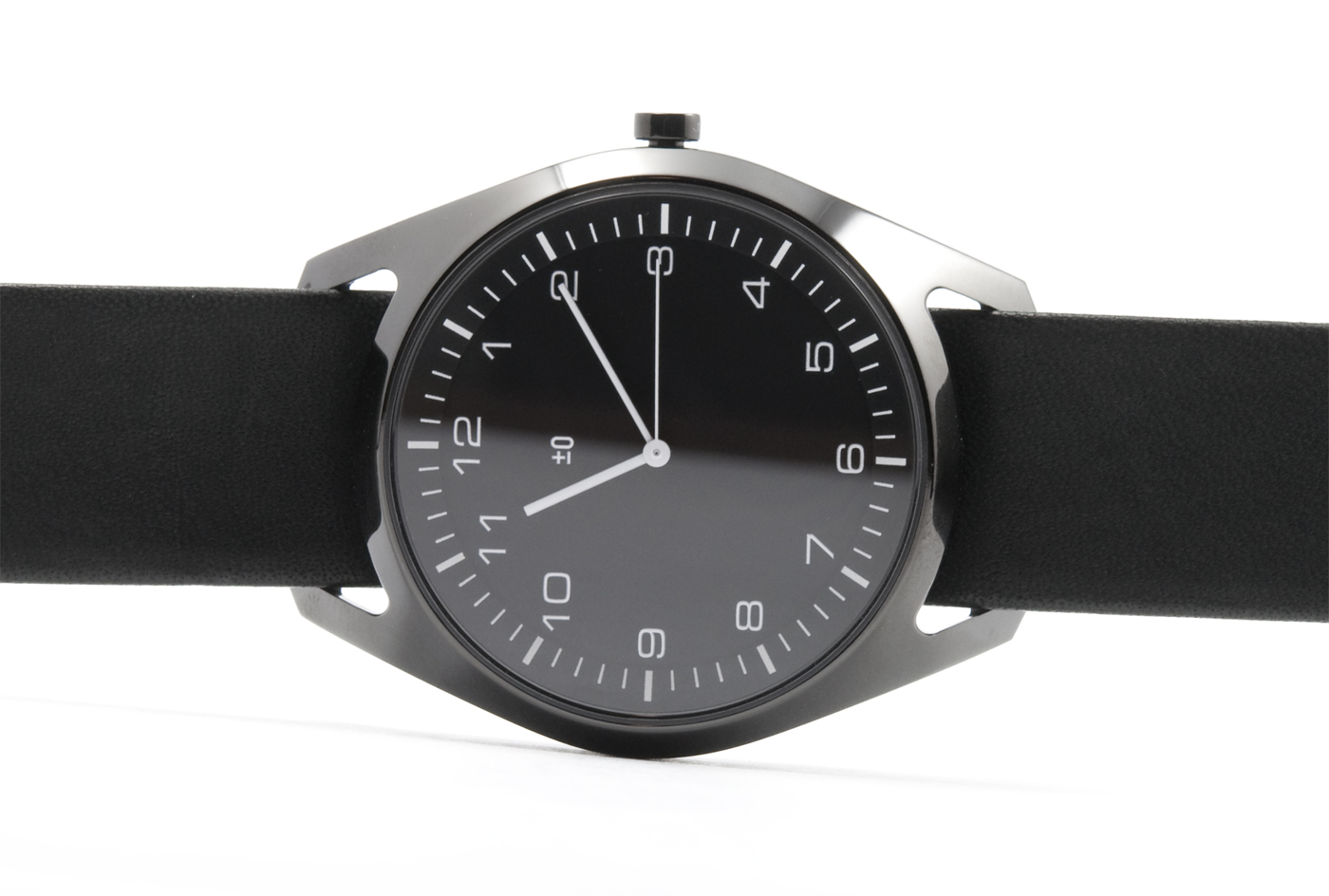 wrist-watch-black-leather-01