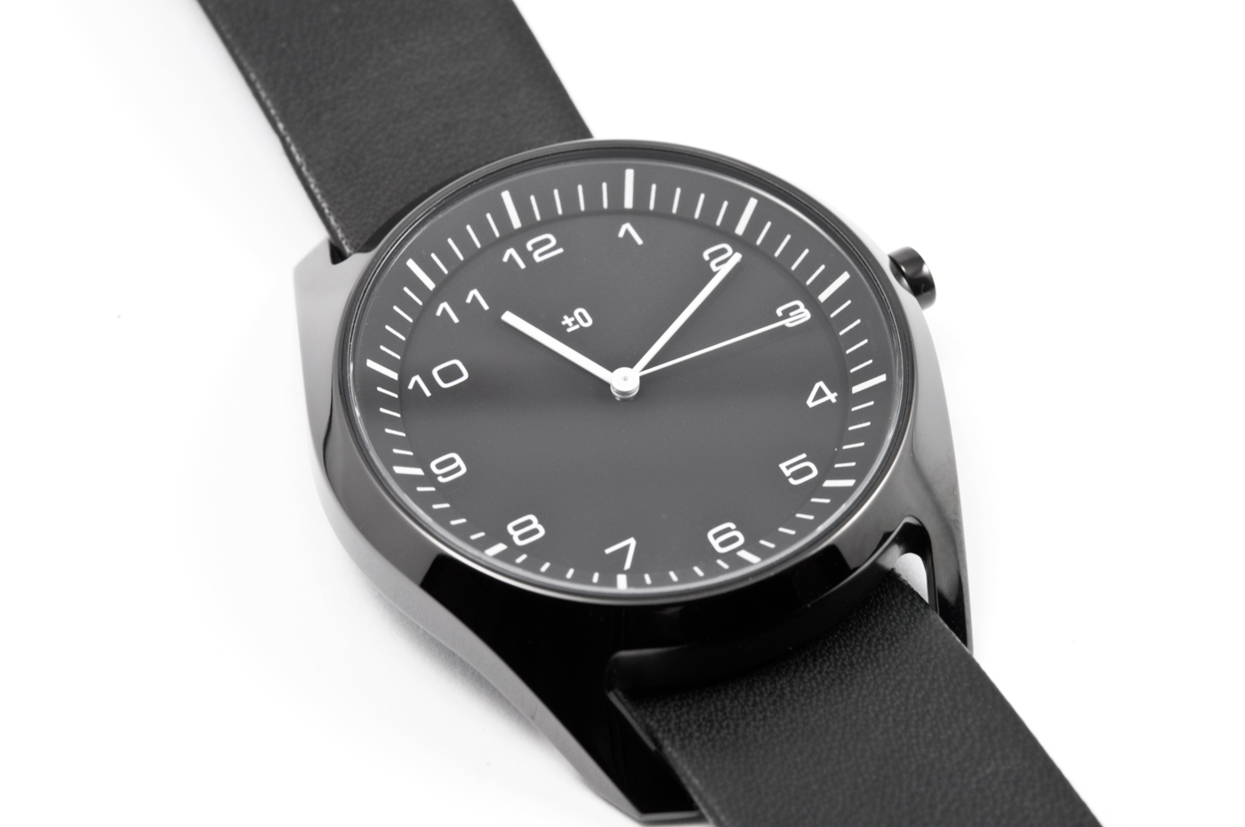wrist-watch-black-leather-04