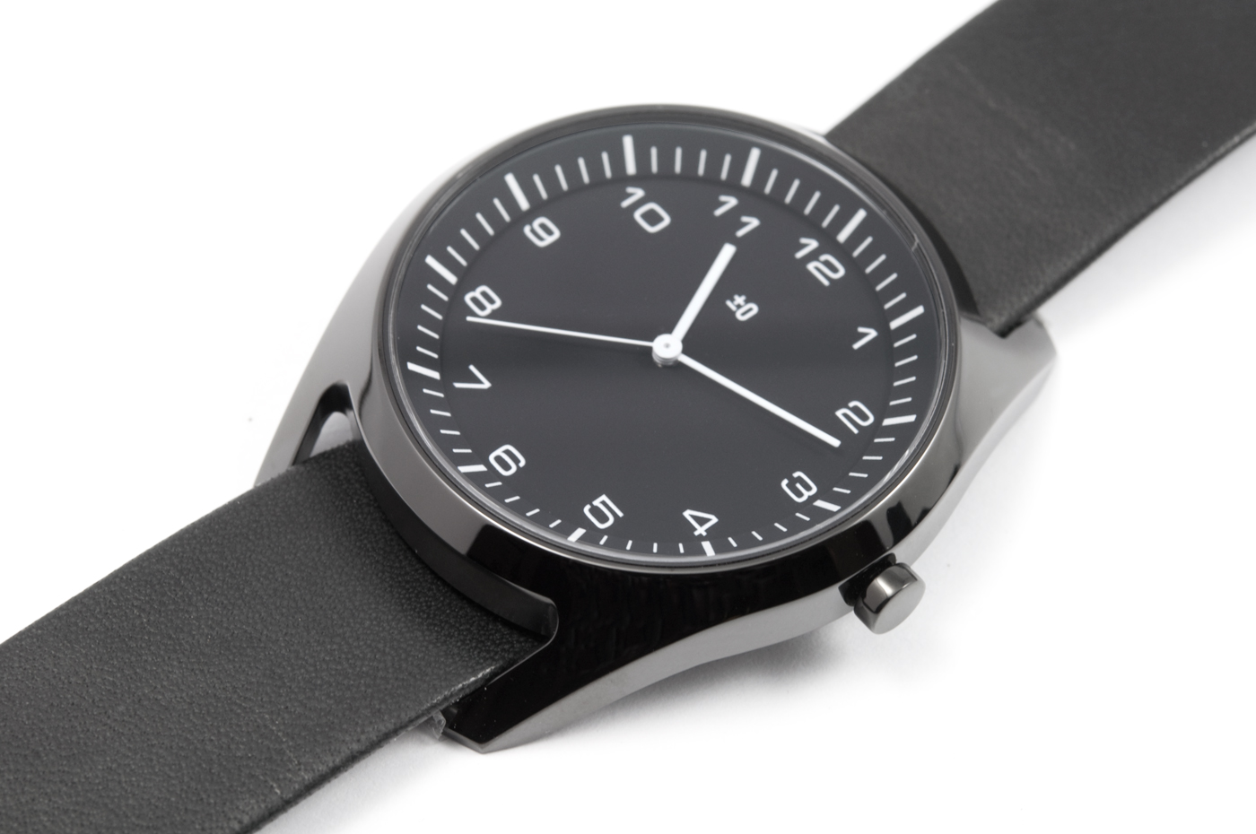 wrist-watch-black-leather-05