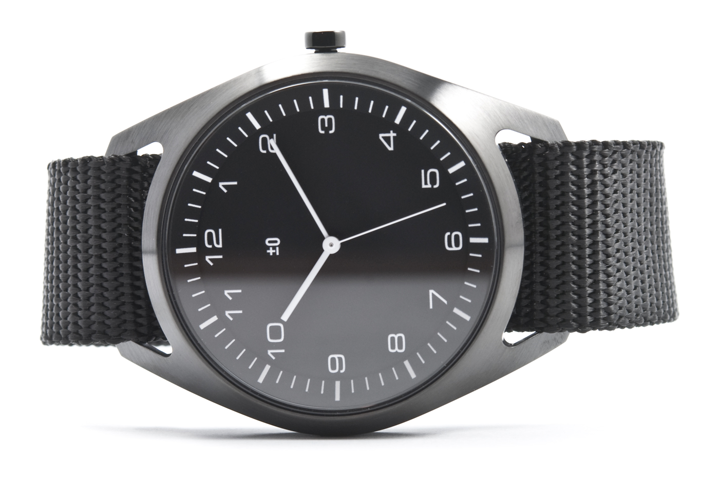 wrist-watch-black-nylon-01