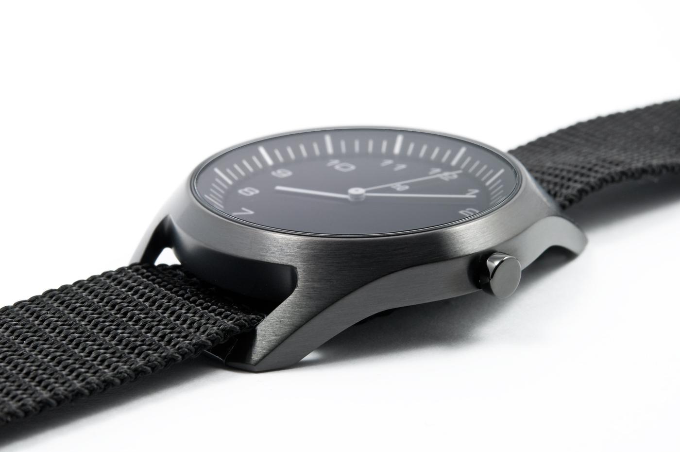 wrist-watch-black-nylon-08