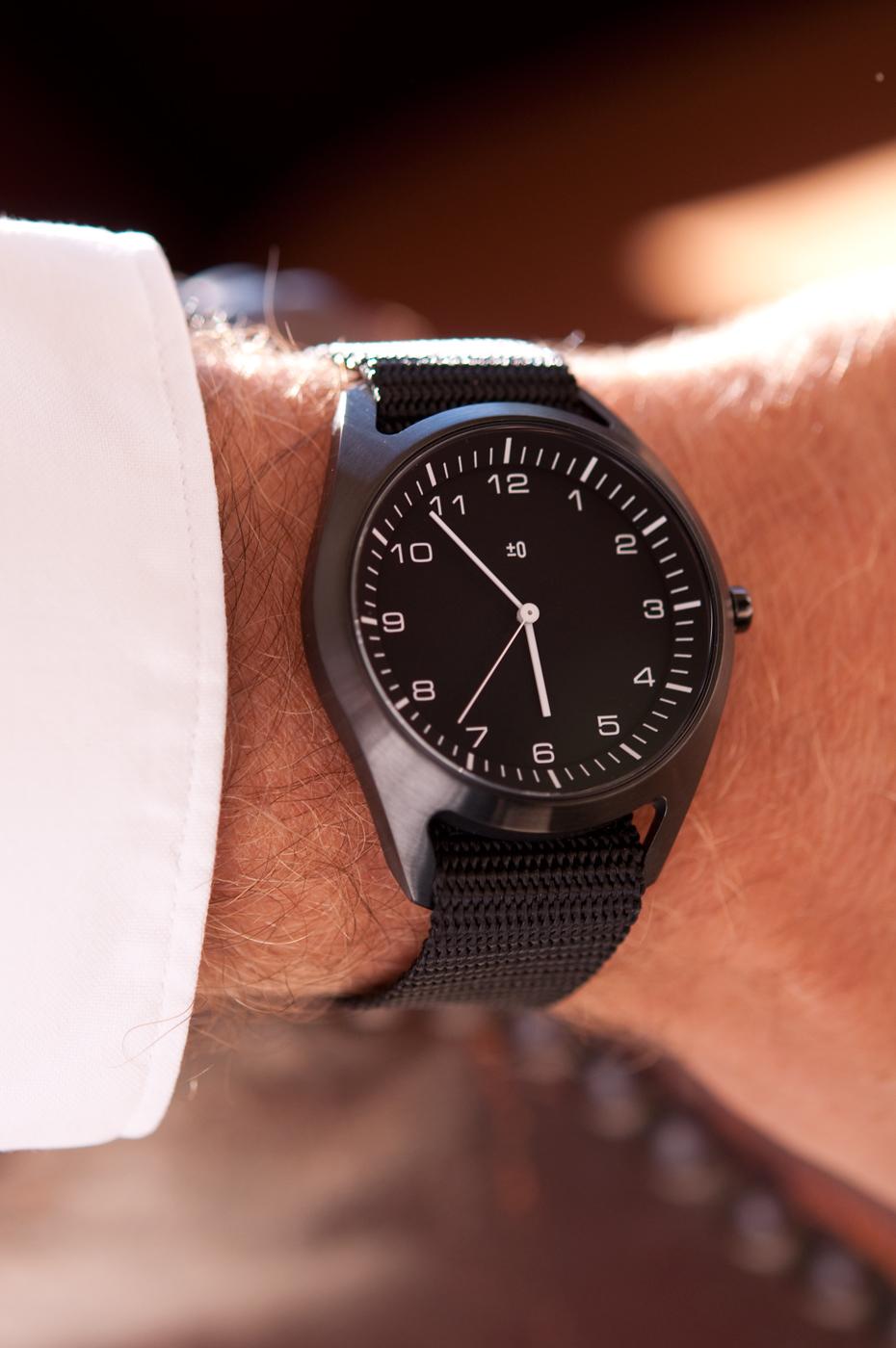 wrist-watch-black-nylon-13